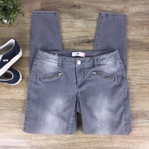 CAbi   Gray Wash Skinny Jeans Style 5167 SIze 8